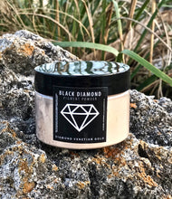 "Load image into Gallery viewer, ""DIAMOND VENETIAN GOLD"" 42g/1.5oz - Black Diamond Pigments"