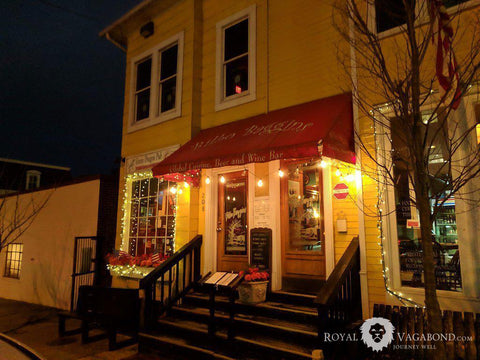 Alexandria's Bilbo Baggins pub offers novelty, Upscale Food, Cozy Digs