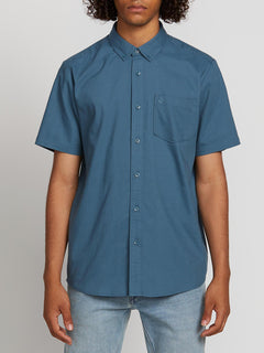 Everett Oxford Short Sleeve Woven Shirt In Sea Navy, Front View