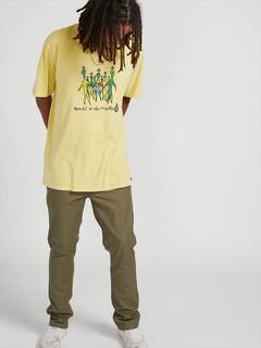 In This Short Mike Ravelson Sleeve Tee - Endive