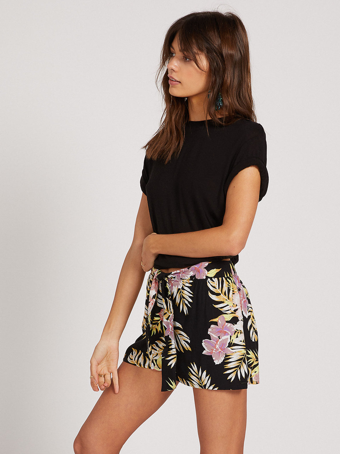 FORGET YOSELF SHORT - BLACK FLORAL PRINT (B0922000_BFP) [1]