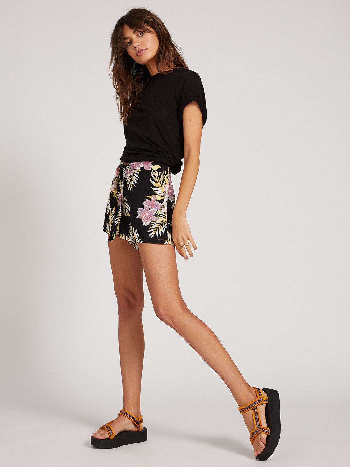 FORGET YOSELF SHORT - BLACK FLORAL PRINT (B0922000_BFP) [24]