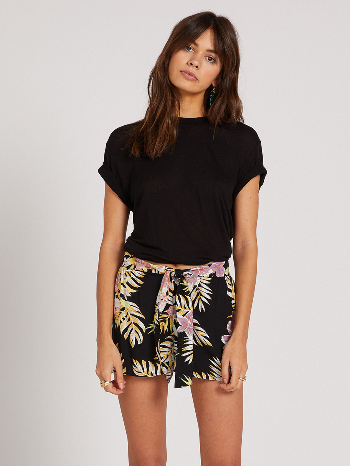 FORGET YOSELF SHORT - BLACK FLORAL PRINT (B0922000_BFP) [F]
