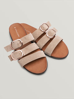 Buckle Up Buttercup Sandal (W0811905_SAN) [F]