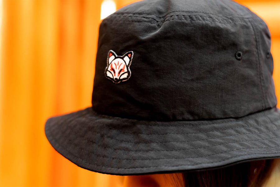 WHITE FOX BUCKET HAT