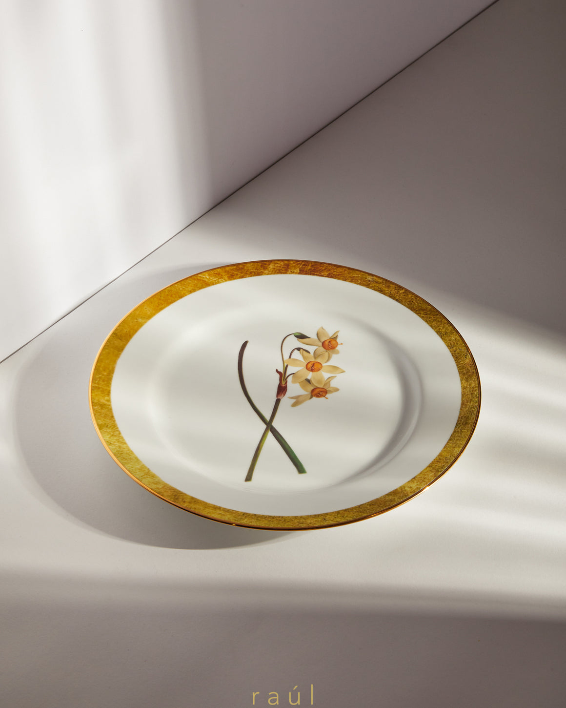 Poet's Narcissus Decorative Plate