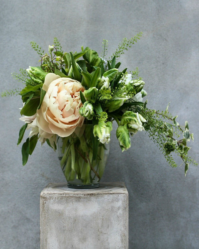 Medium Floral Arrangements