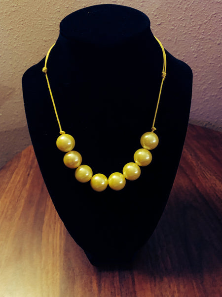 Yellow 8 bead necklace