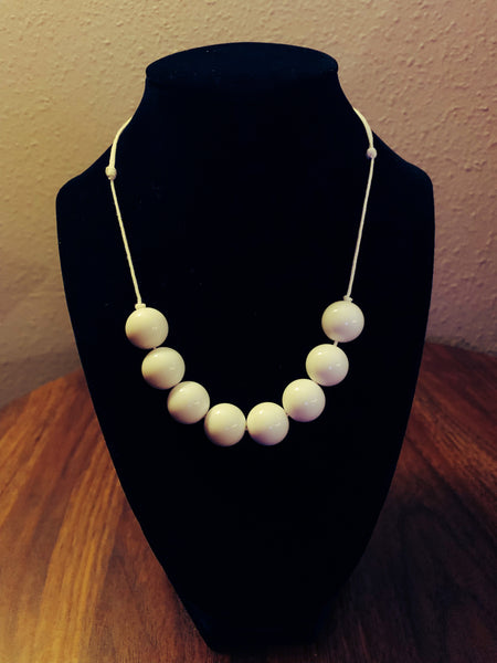White 8 bead necklace