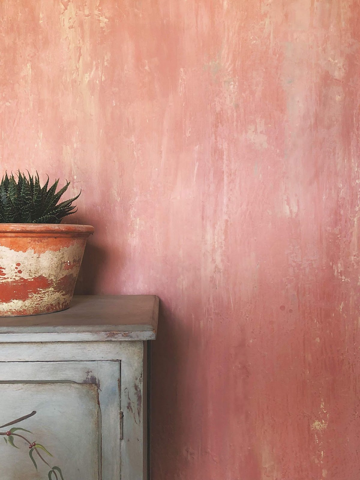 wall paint distressed