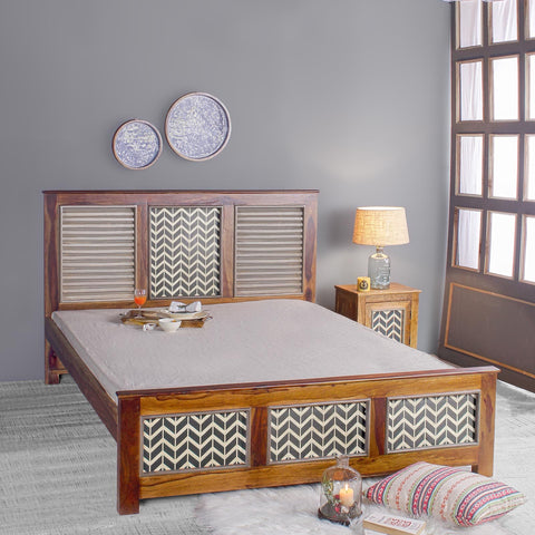 Kylian Solid Wood Bed in Vintage Finish
