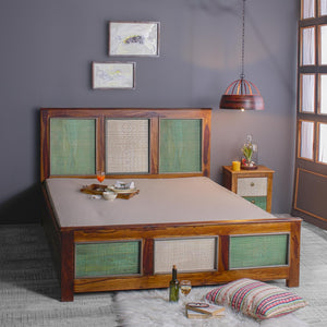 Ellis Solid Wood Bed in vintage Finish