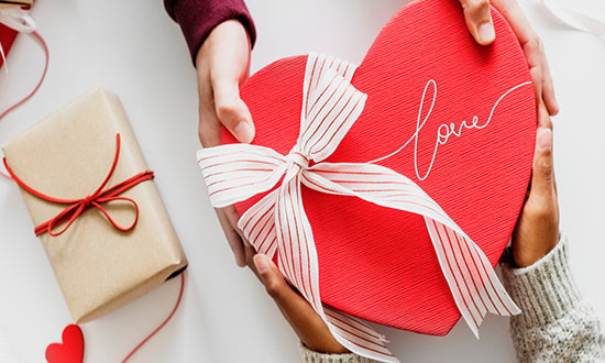 4 EASY STEPS TO MAKE A VALENTINE BLANKET PERSONALIZED GIFT FOR YOUR GIRLFRIEND