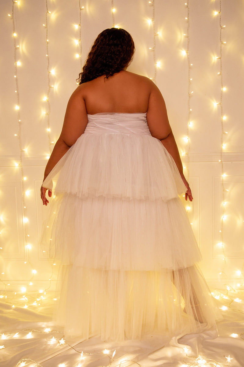 buxom couture curvy women plus size tiered tulle tube dress white