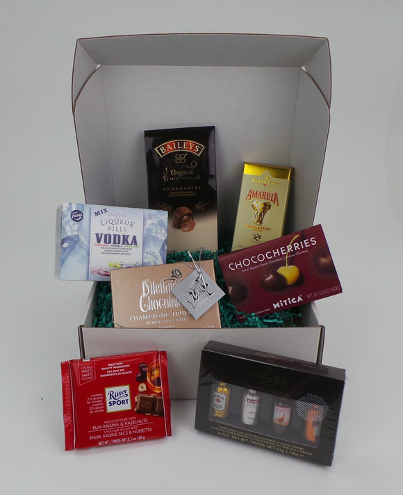Tipsy Gift Set Large. Assortment of 7 liquor-filled chocolates from multiple brands. Gift packaged. Compiled by Sweet Cloud Gifts, USA.
