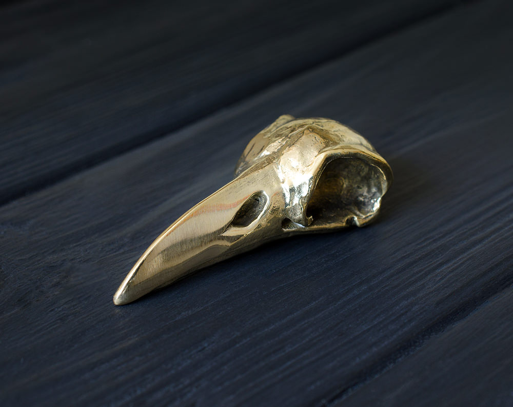 """Light raven skull"" metal bead"
