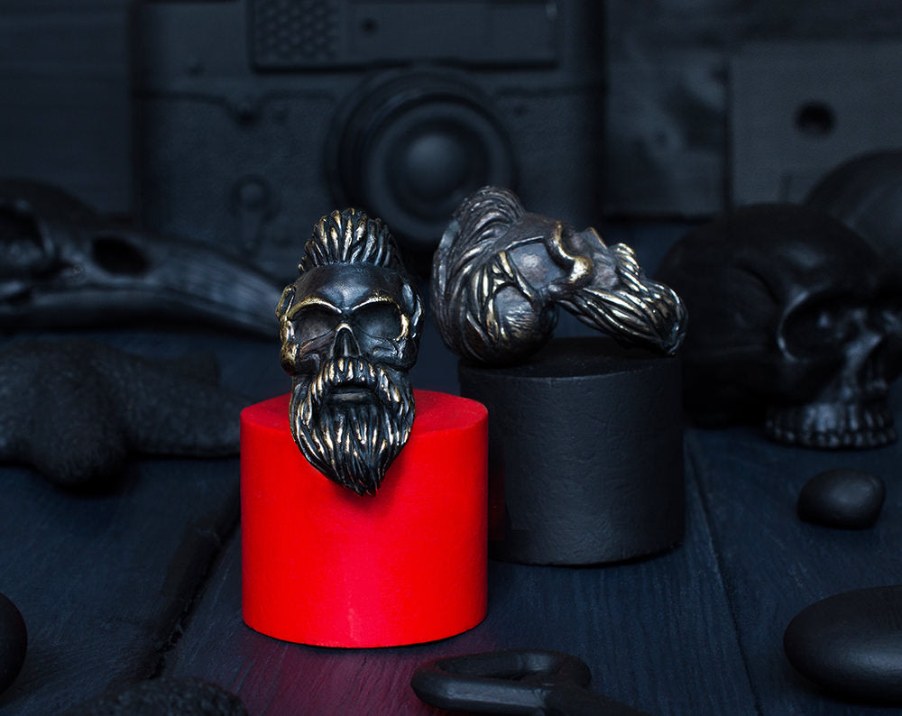 """Bearded skull"" lanyard bead"