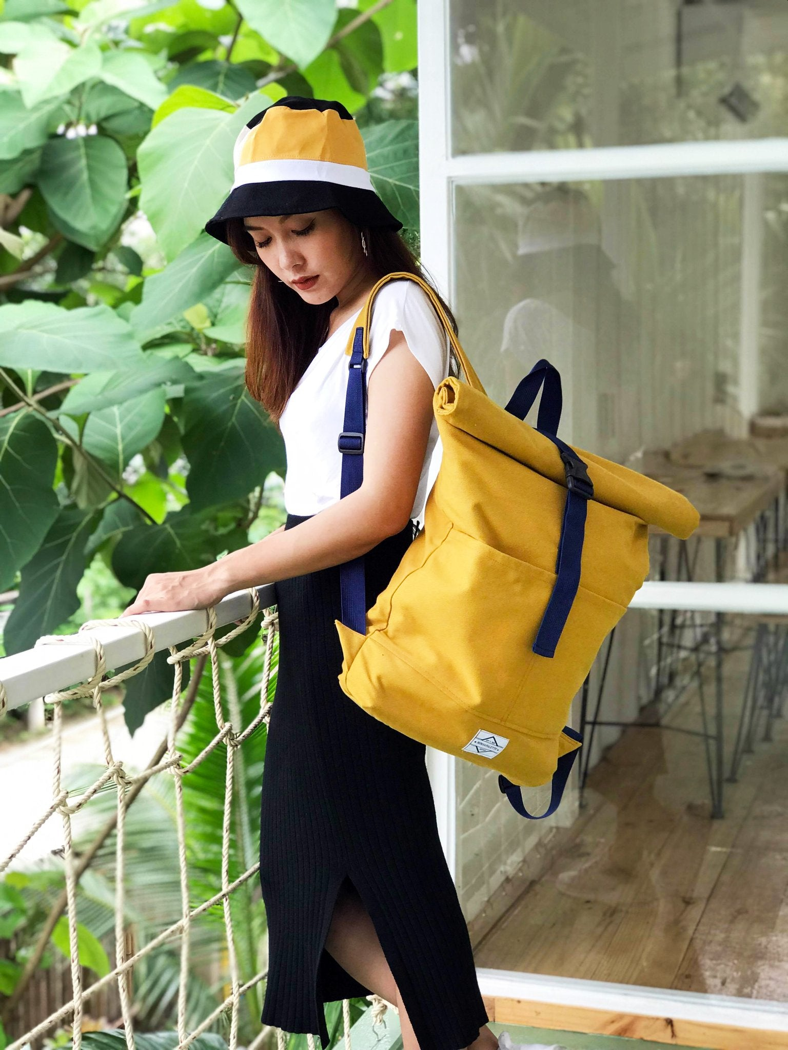 16 Oz Roll Top Canvas Backpack.16 Oz 捲口式帆布背囊