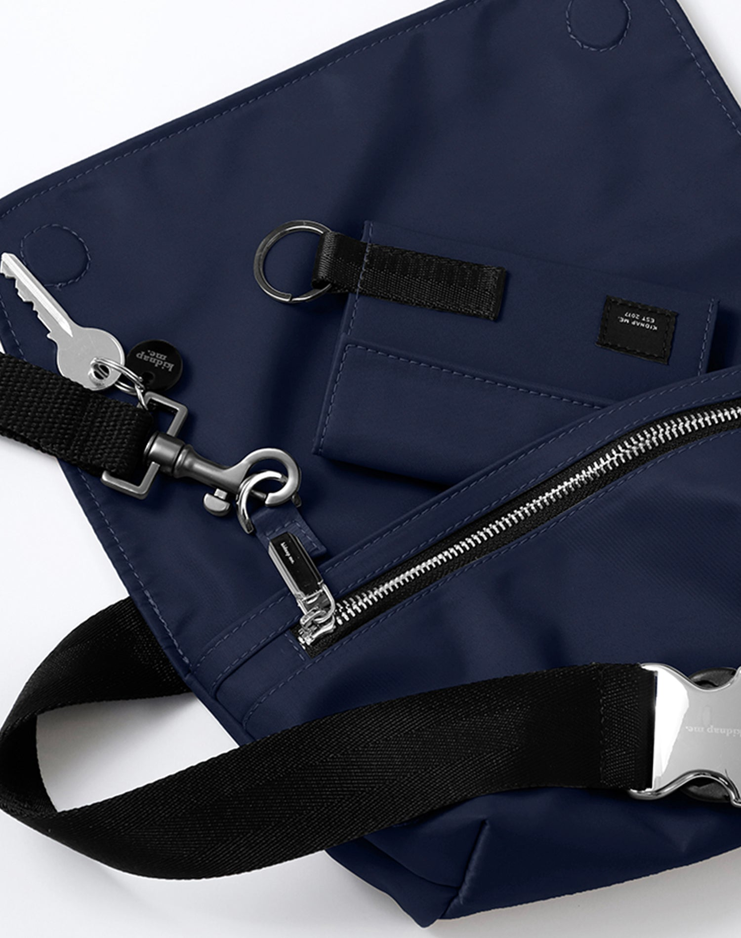 Indigo Nylon Belt Sling Bag.靛藍色尼龍斜揹腰包