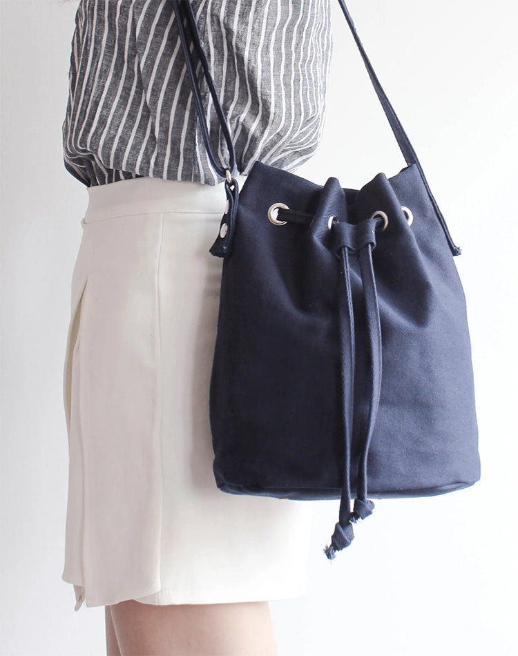 Handmade Navy Canvas Bucket Bag.藏青色帆布水桶袋