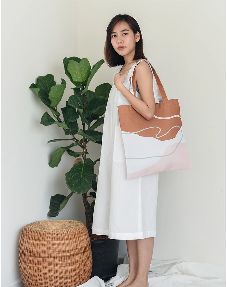 Invis Brown Canvas Tote Bag.啡白拼色帆布手提袋