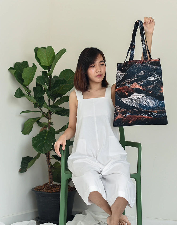 Brown Brick Mountain Canvas Tote Bag.布朗山帆布手提袋