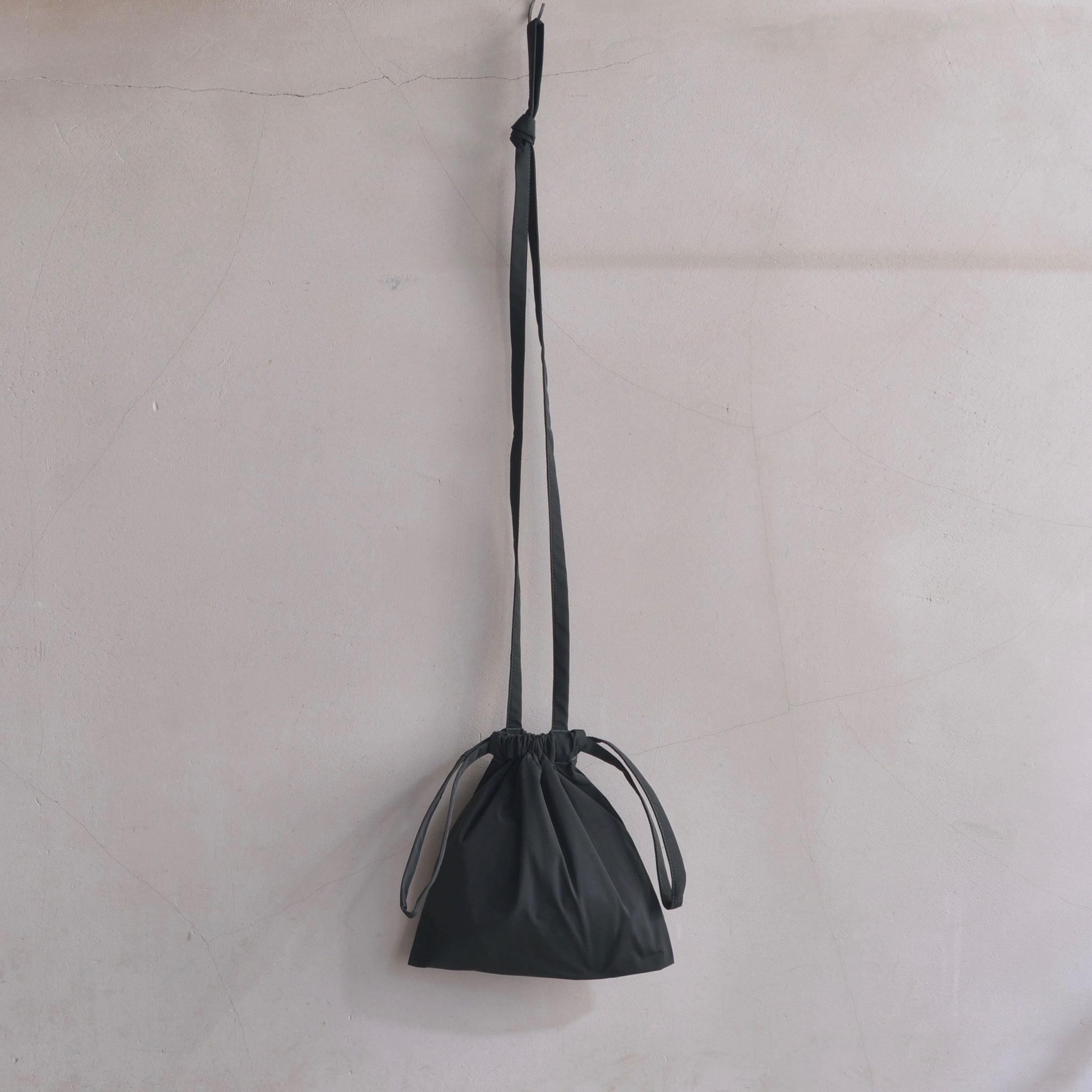 formuniform|フォームユニフォーム| Drawstring Bag with Strap XS