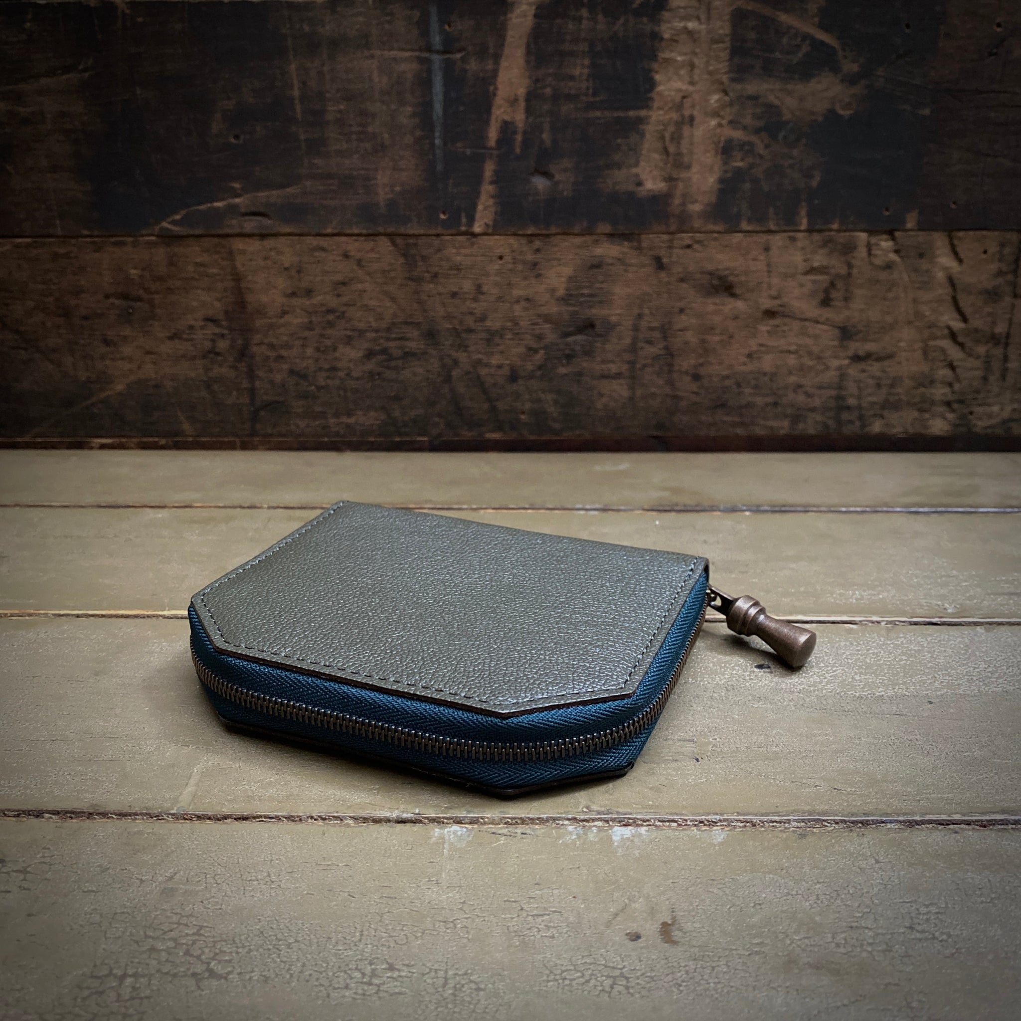 POSTALCO | No.60022 | Kettle Zipper Wallet | Thin | Moss Green