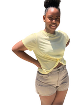 Load image into Gallery viewer, Mellow Yellow Crop Top (Juniors)