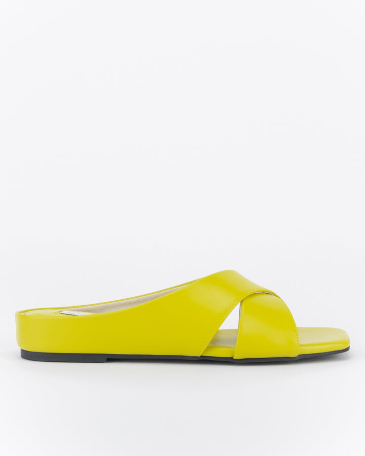 Orked Crossover Flat Sandals (Golden Olive)