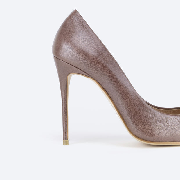 Classic 100 Pointy Pumps (Brown)