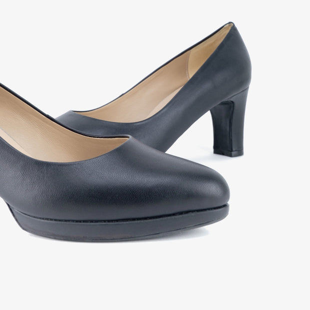 Donna Leather Heels (Black) - Nelissa Hilman