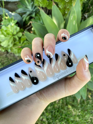 Yin & yang tipped set- press-on nails