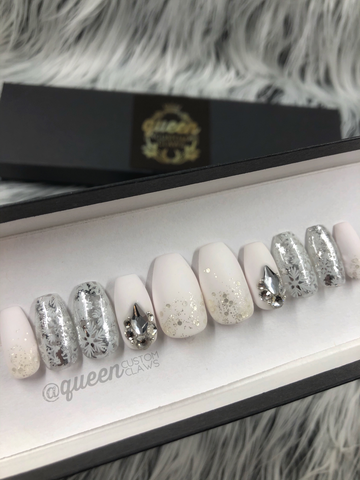 Frosted:White Christmas- press on nails