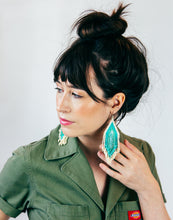 Load image into Gallery viewer, Fiero Earring Turquoise & Cream