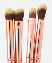 Load image into Gallery viewer, BH COSMETICS  METAL ROSE 11 PIECE BRUSH SET WITH COSMETIC BAG