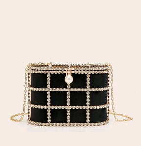 Rhinestone and Faux Pearl Decore Chain Clutch Bag