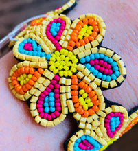 Load image into Gallery viewer, Beaded Flower Cuff Bracelet