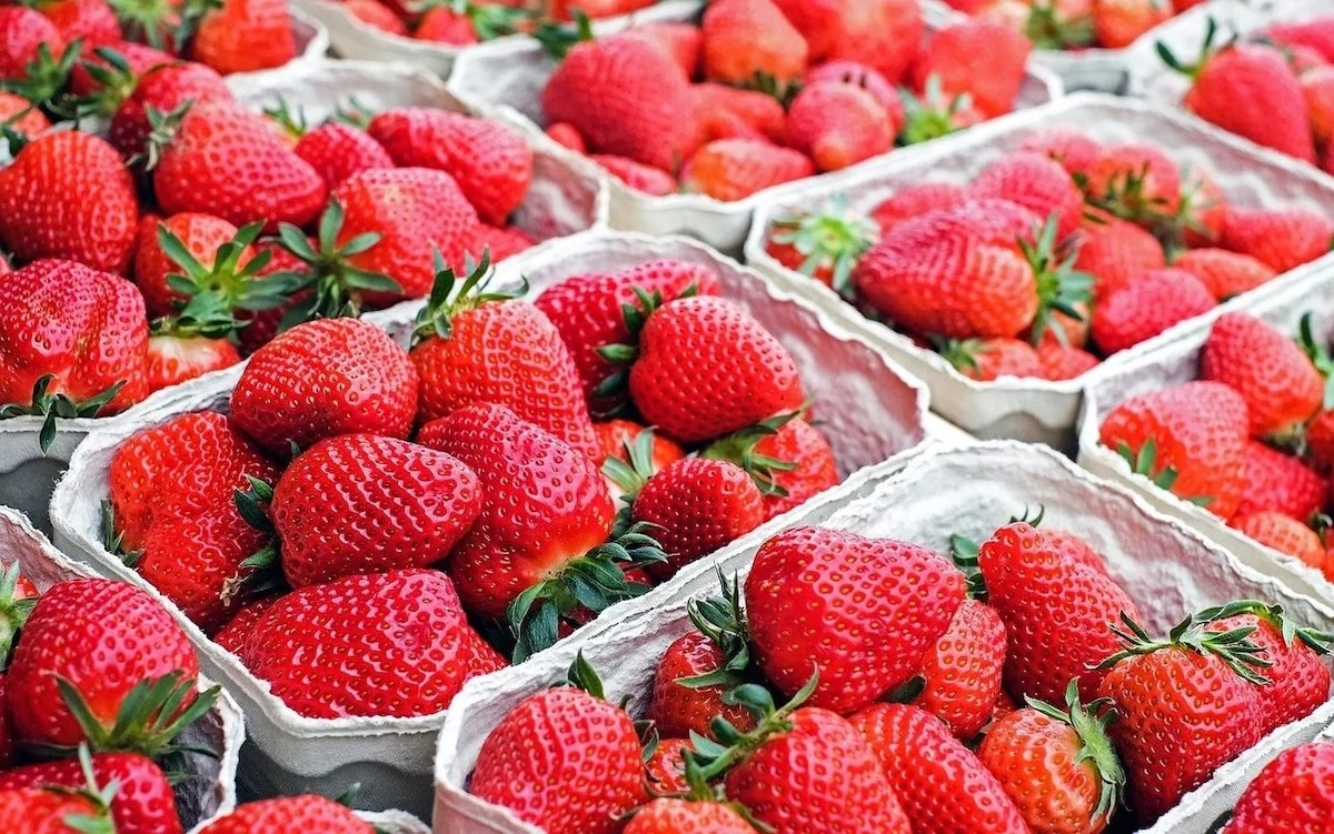 FRESH STRAWBERRIES  250G (NEXT DAY DELIVERY/PICK-UP)