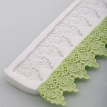 Load image into Gallery viewer, LACE DRAPE BORDER MOULD SMALL PRINTS