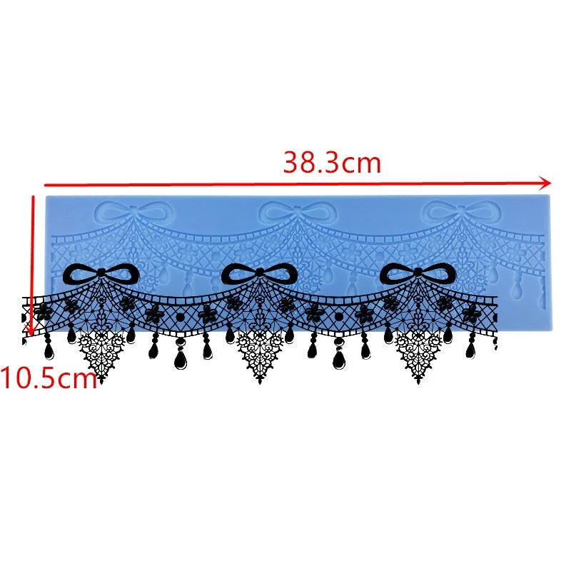 CHANDELIER LACE MAT