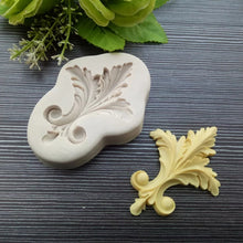 Load image into Gallery viewer, FLEUR DE LIS SCROLL MOULD 1 PC