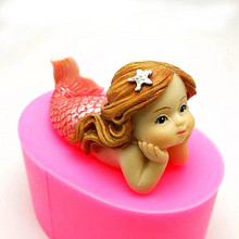 Load image into Gallery viewer, 3D SILICONE MERMAID MOULD RESTING ON HANDS