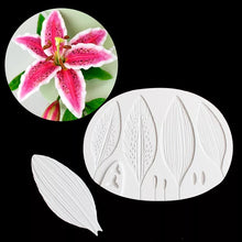 Load image into Gallery viewer, LARGE TIGER LILY FLOWER PETAL VEINER