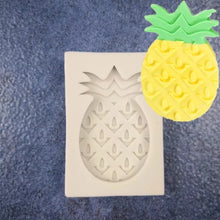 Load image into Gallery viewer, PINEAPPLE FRUIT MOULD