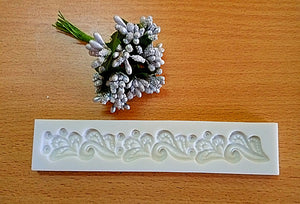 FLOWING SMALL FLOWERS LACE BORDER MOULD
