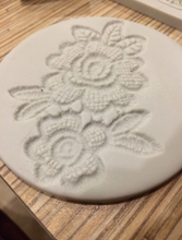 Load image into Gallery viewer, MINI ROSE FLOWER LACE MOULD