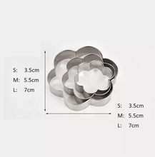 Load image into Gallery viewer, FLOWER/LOVE HEART/CIRCLE/STAR STAINLESS STEEL CUTTER SET 3 PCS