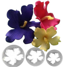 Load image into Gallery viewer, HAWAIIAN FLOWER CUTTER PLASTIC 3 Pcs