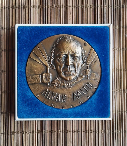 Rare Alvar Aalto medal by Finnish artist Eila Hiltunen, 1974 - The Exchange Int